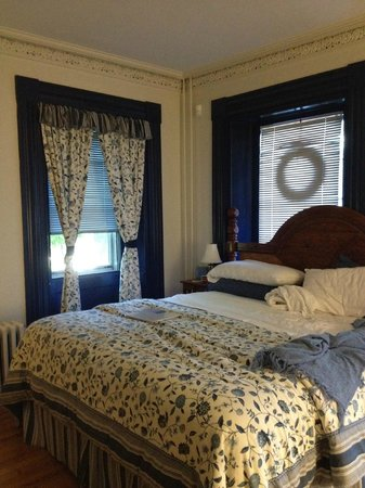 The Tipsy Butler Bed and Breakfast : The Butler's Room, cozy and comfortable