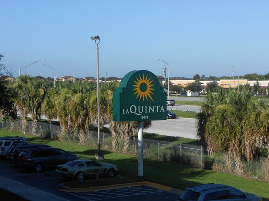 La Quinta Inn Orlando International Drive: View of my room