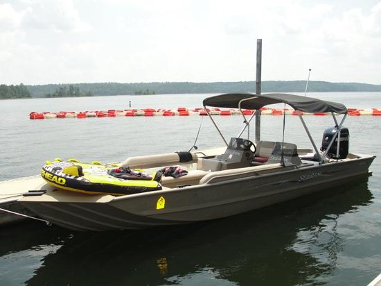 DeGray Lake Resort State Lodge: ski boat rental