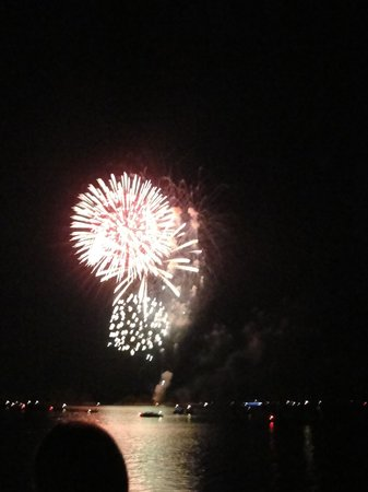 DeGray Lake Resort State Lodge: fireworks on the 4th of July