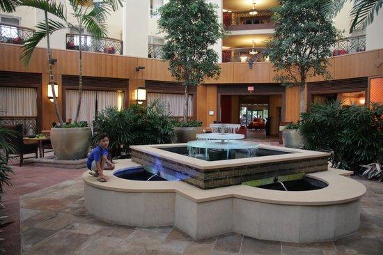 Renaissance Charlotte SouthPark Hotel: Hotel Atrium area