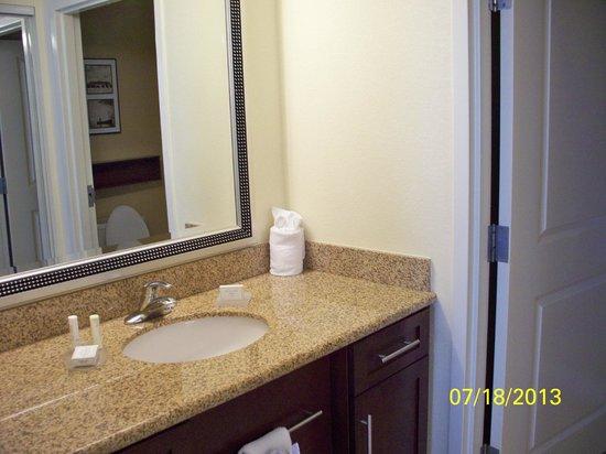 Residence Inn Orlando Lake Mary: Bathroom