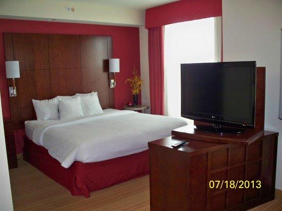 Residence Inn Orlando Lake Mary: Sleep & TV Comforts