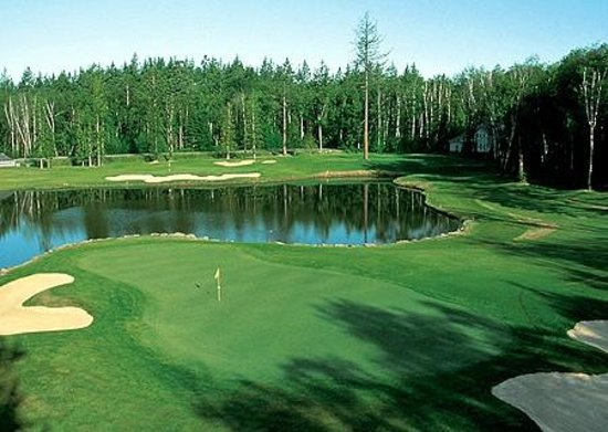 Semiahmoo Golf & Country Club: Hole 12 (from the road)
