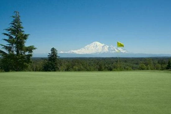Semiahmoo Golf & Country Club: View of Mt. Baker from Semiahmoo Golf Course