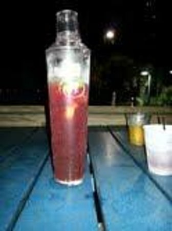 Hilton Myrtle Beach Resort: Sangria in a shaker