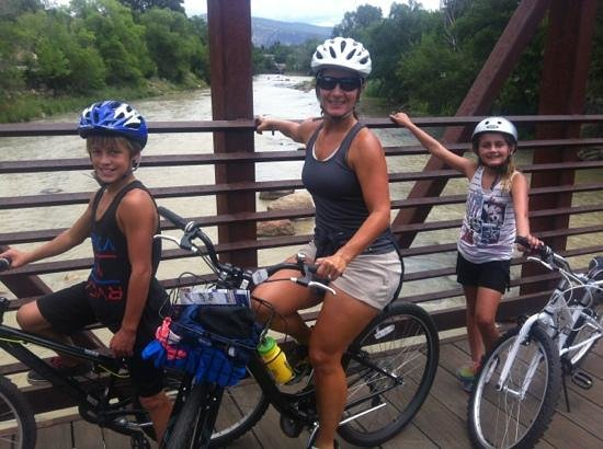 Hassle Free Sports: family on a bridge over Animas