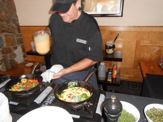The Artisan at Stonebridge Inn: Joseph puts a lot of attention in culinary perfection!