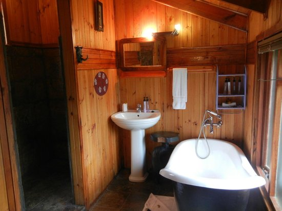 Knysna Tonquani Lodge & Spa: African Flame Chalet (#6)
