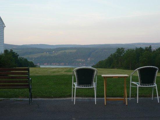 Lakeside Resort: View from Office/Breakfast room