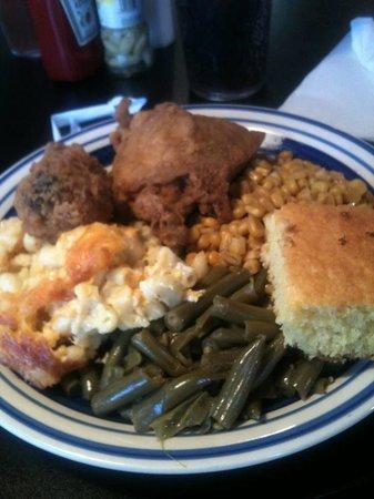 Big Mike's Soul Food: yumm