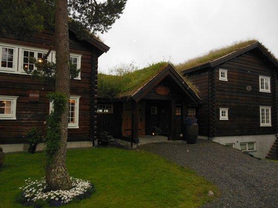 Storfjord Hotel: entrance