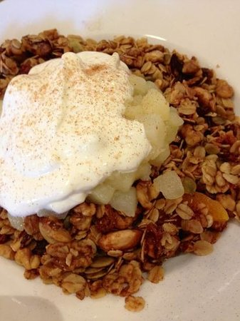 Daci and Daci Bakers: delicious granola - well worth making this your breakfast stop in Hobart!