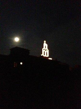 Traiana: illuminazione del campanile
