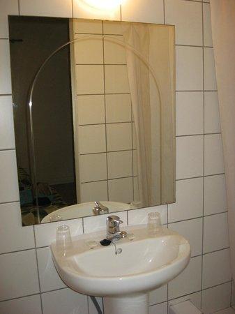 Hostal Apuntadores: Bathroom