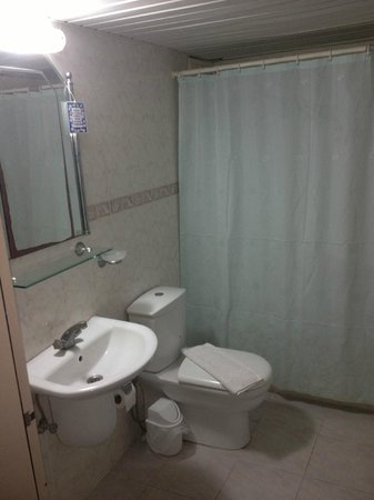 High Life Apartments: Bathroom
