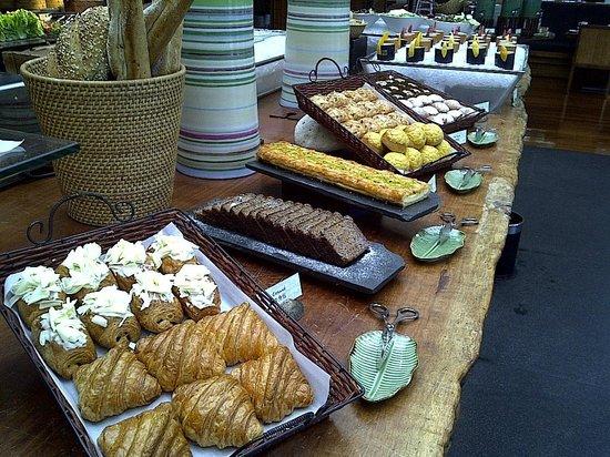 Mandarin Oriental, Sanya: breakfast buffett