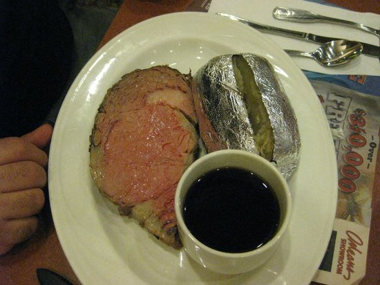 The Courtyard Cafe: Prime Rib Special