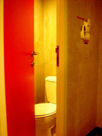 Lub d Bangkok Siam: The toilet