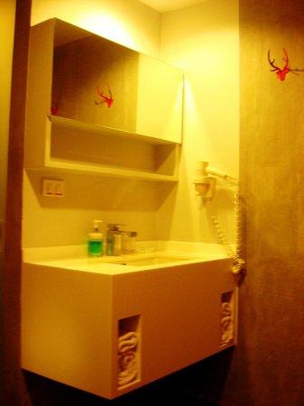 Lub d Bangkok Siam: Wash basin
