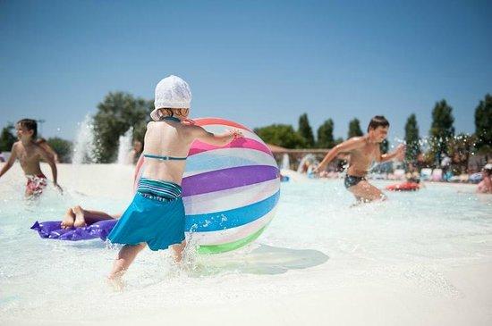 Barricata Holiday Village: Piscine