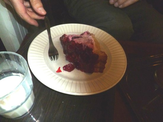 Bulevardin kahvisalonki: Berry mousse