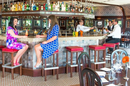 Harvey's Point: The Octagonal Bar a trendy hangout in Donegal