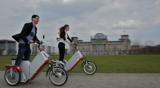 Enjoy-Berlin Private Tours: Just have fun cruising on a Spoos-weel