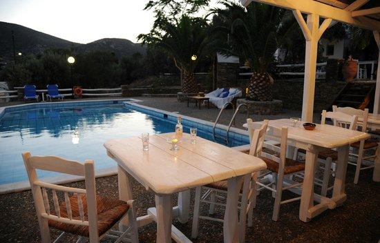 Villa Irini: pisina