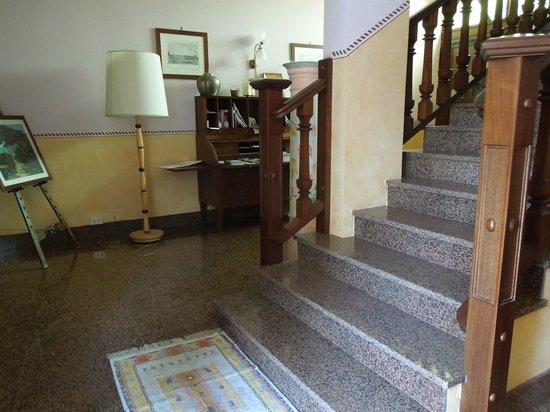 Al Lunario Bed & Breakfast : Inside the building - Al Lunario, Sep 9-11 2012