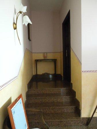Al Lunario Bed & Breakfast : Way to the room - Room - Al Lunario, Sep 9-11 2012