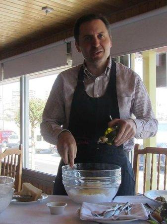 Restaurante Grana: Juanma Zurita preparando el steak tartare