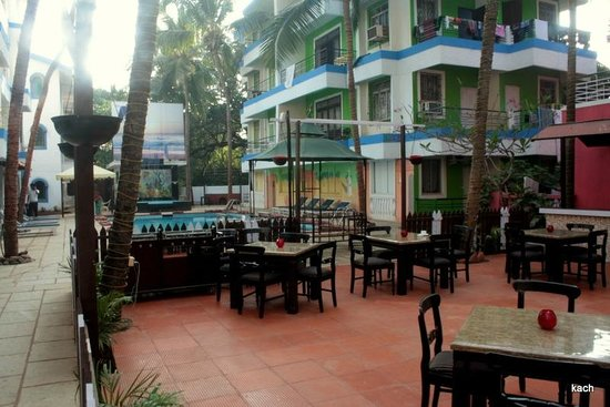 Magnum Resort : Courtyard