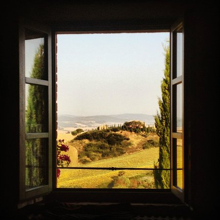 Podere Salicotto: Tuscan Hills from the room