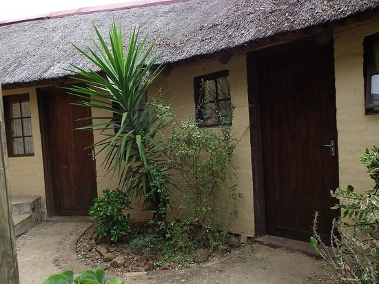 Kruger Inn Backpackers: Buffalo and Leopard Rooms