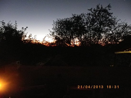 Kruger Inn Backpackers: Sunset from the Deck
