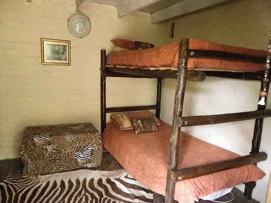 Kruger Inn Backpackers: Lion Rooms