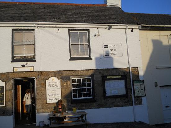 Front of Star Inn