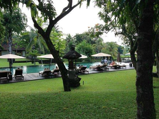 The Chedi Club Tanah Gajah, Ubud, Bali – a GHM hotel : piscine de l'hôtel