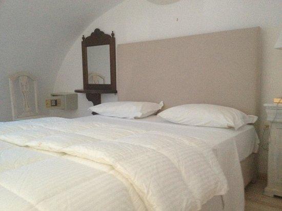 Hotel Kallisto: Bett