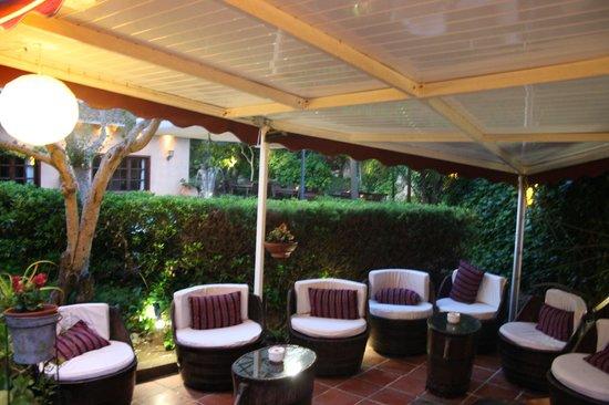Restaurante casa nostra en corbera de llobregat con cocina for Terrazas aire libre