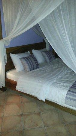 Capung Sakti Villas: Le lit