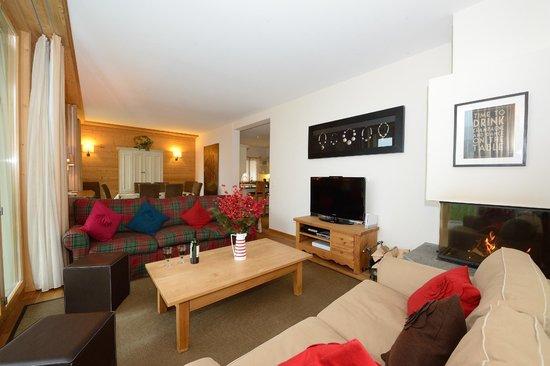 Chalet Balthazar: Apt 3 Living Room