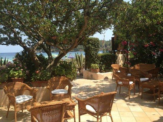 Villa Rodriguez Hotel: Loungebereich vor dem Hotel, hier kann man es bei Hitze aushalten