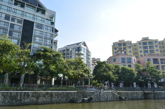 Fraser Place Robertson Walk, Singapore : View from the river nearby