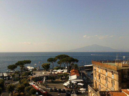 Hotel il Faro: Panorama dalla camera al quinto piano!