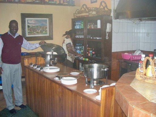Kenya Comfort Hotel: Buffet