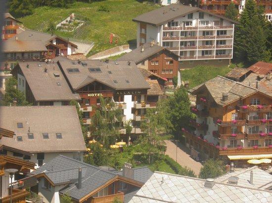 Hotel Allalin : View from gondola