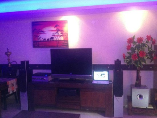Exclusive Luxury Suites: livingroom of LUX room