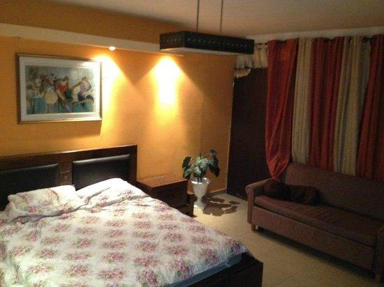 Exclusive Luxury Suites: Bedroom Lux room